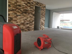 droogtijd cementdekvloer versnellen